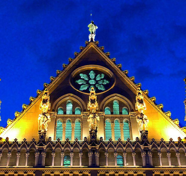 Budapest Parliament- Hungarian Parliament Building & Meyer Lighting Us :: Hungarian Parliament Building